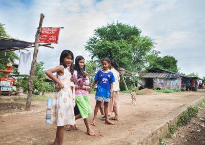 Cambodge - jeunes filles - 800