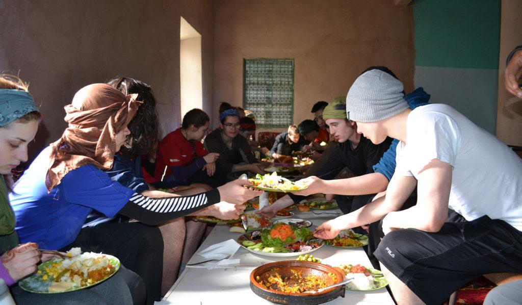 Maroc - repas en groupe