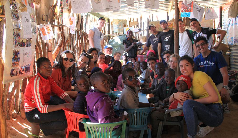 Groupe de jeunes en Namibie