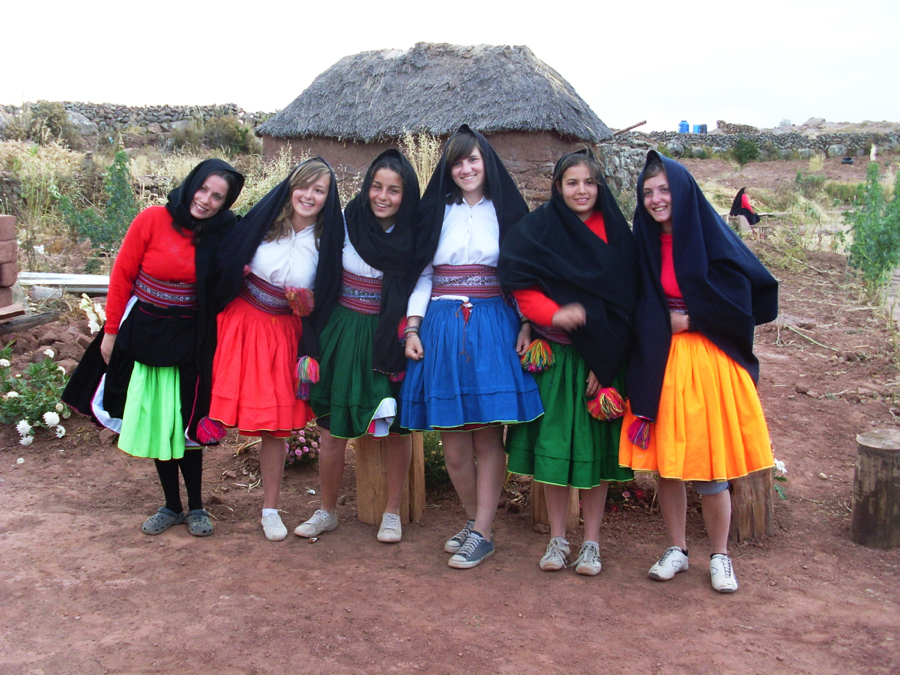 Perou - Lac Titicaca jeunes