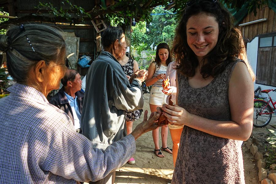 Thailande - rencontre et echange Thuang Luang