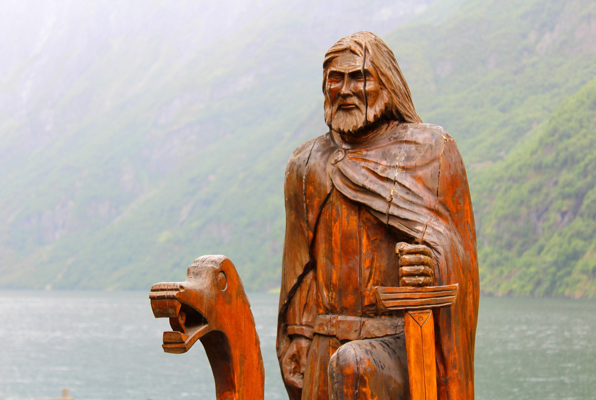 Norvège - Nærøyfjord, sculpture bois